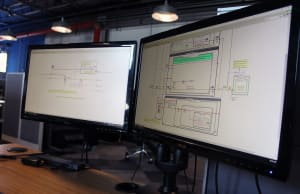 LabVIEW best practices on 2 screens