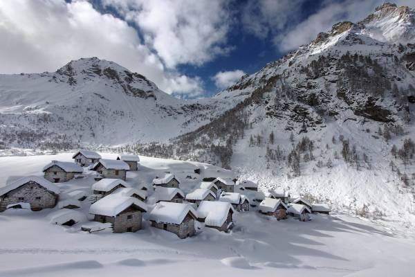 Ciaspolata all'Alpe Lendine