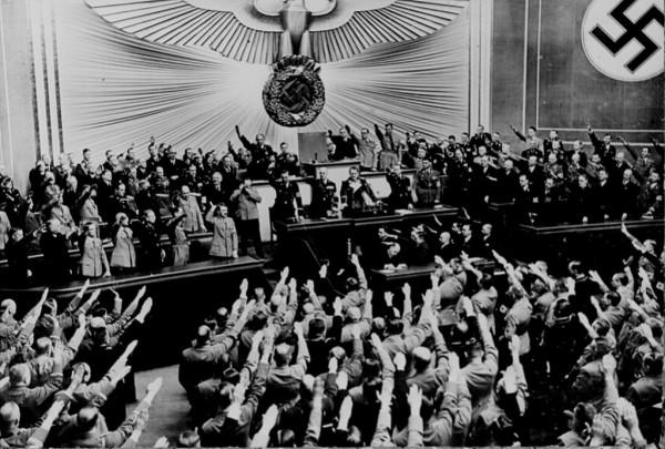 Room of Nazis saluting