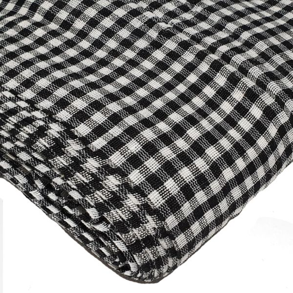 black-and-white-gingham-parna-1_cys7yd