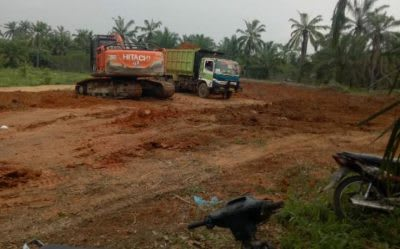 Lokasi Galian C Tanah Timbunan di Huta III Bandar Rejo Kecamatan Bandar. Lokasi itu merupakan  hamparan di luar izin titik koordinat .