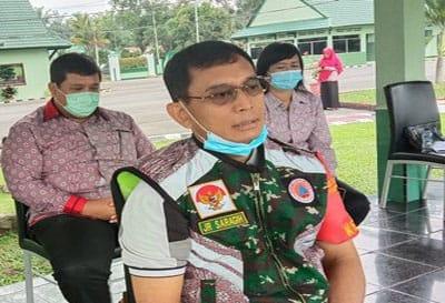 Bupati Simalungun JR Saragih, saat mengumumkan 3 warga Simalungun yang dinyatakan positif terinfeksi Covid-19 atau virus corona, Jumat 3 April 2020.