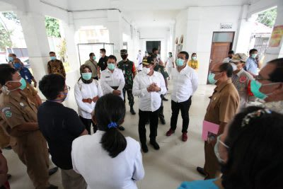 Gubsu Edy Rahmayadi saat meninjau RSUD dr Djasamen Saragih Kota Siantar, Selasa 7 April 2020.