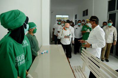 Gubernur Sumatera Utara (Sumut) Edy Rahmayadi didampingi Bupati Batubara Zahir meninjau kesiapan RSUD Batubara sebagai rumah sakit rujukan Covid19 untuk Kabupaten Batubara