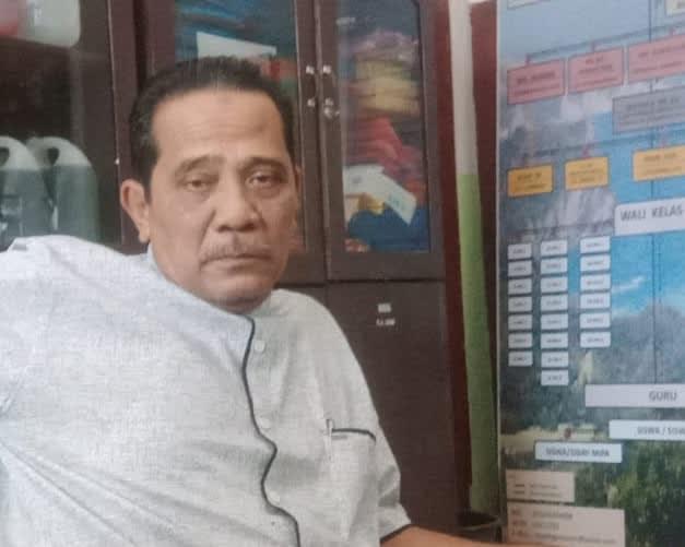 Kepala SMA Negeri 3 Kota Pematangsianar, Zulfan Lubis SPd, MM