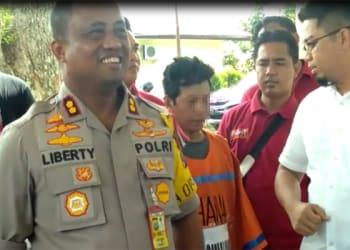 Kapolres Simalungun AKBP M Liberty Panjaitan saat memberikan keterangan kepada sejumlah wartawan atas kasus pembunuhan terhadap Ngatiyem, Selasa (16/4) (Foto:SabarudinPurba/SimadaNews.com)