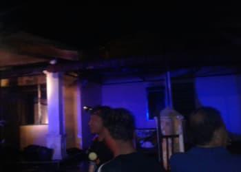 Kondisi rumah Yani Tanjung setelah api berhasil dipadamkan.