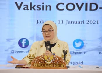Kepala Badan POM Penny K. Lukito memberikan keterangan penerbitan persetujuan penggunaan dalam kondisi darurat atau Emergency Use Authorization (EUA) untuk Vaksin COVID-19 di Kantor Badan POM, Jakarta, Senin (11/1/2021). Badan POM mengeluarkan penerbitan EUA untuk vaksin Coronavac yang diproduksi oleh Sinovac Biotech dengan efikasi vaksin sebesar 65,3 persen berdasarkan dari hasil uji klinik di Bandung. ANTARA FOTO/HO/Humas BPOM/wpa/hp.