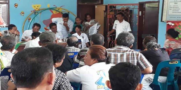 Suasana rapat di Musyawarah Kelurahan (Muskel) di Kelurahan Asuhan Kecamatan Siantar Timur.
