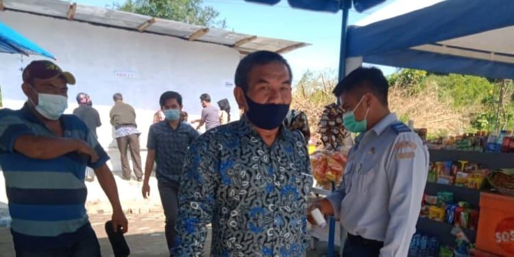 Penumpang sedang melakukan protokol kesehatan di Terminal Tipe Tanjung Pinggir, Kota Pematangsiantar.