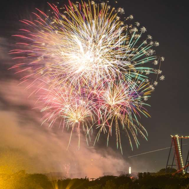 BUSCH GARDENS LIGHTS UP THE SKY WITH EXTENDED FIREWORKS SHOW FOR FOURTH OF JULY