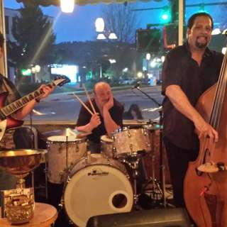 3 Cool Cats Band Every Wednesday at Polanco Restaurant