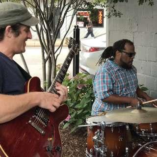 Laid Back Thursday : Ram Mandelkorn Trio