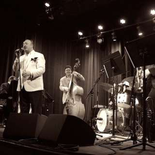 Russ Wilson and his Famous Orchestra with Wendy Jones :: A Salute To The Big Bands!