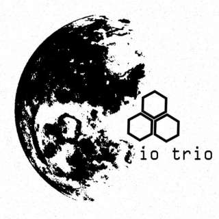 Live Music with io trio