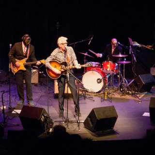 Nick Lowe's Quality Rock & Roll Revue Featuring Los Straitjackets