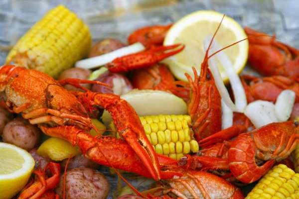 Crawfish on the Patio at Hungry's