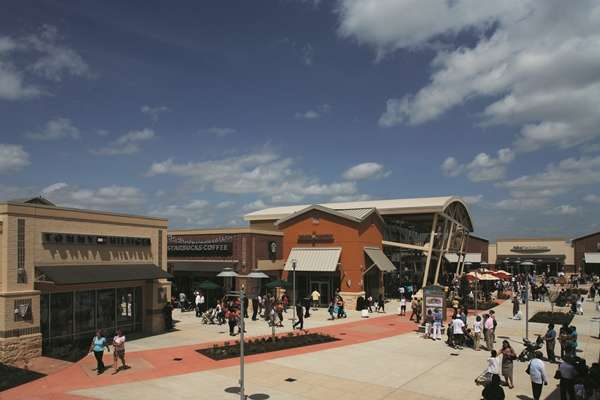 FREE VIP Destination Passport - Houston Premium Outlets