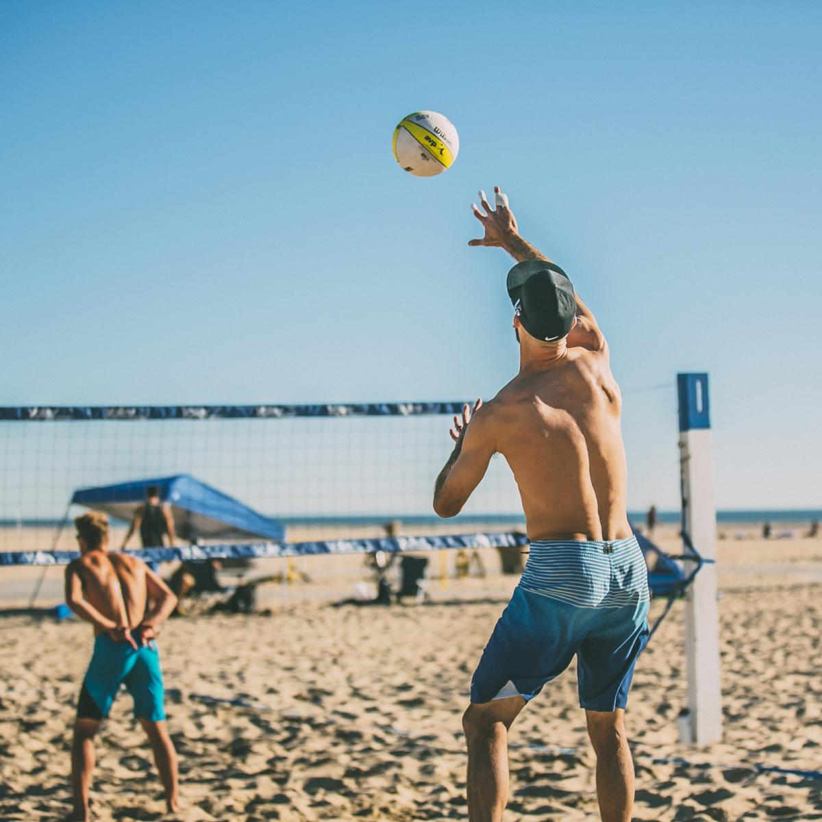 the pros take the court for 18th annual avp beach volleyball