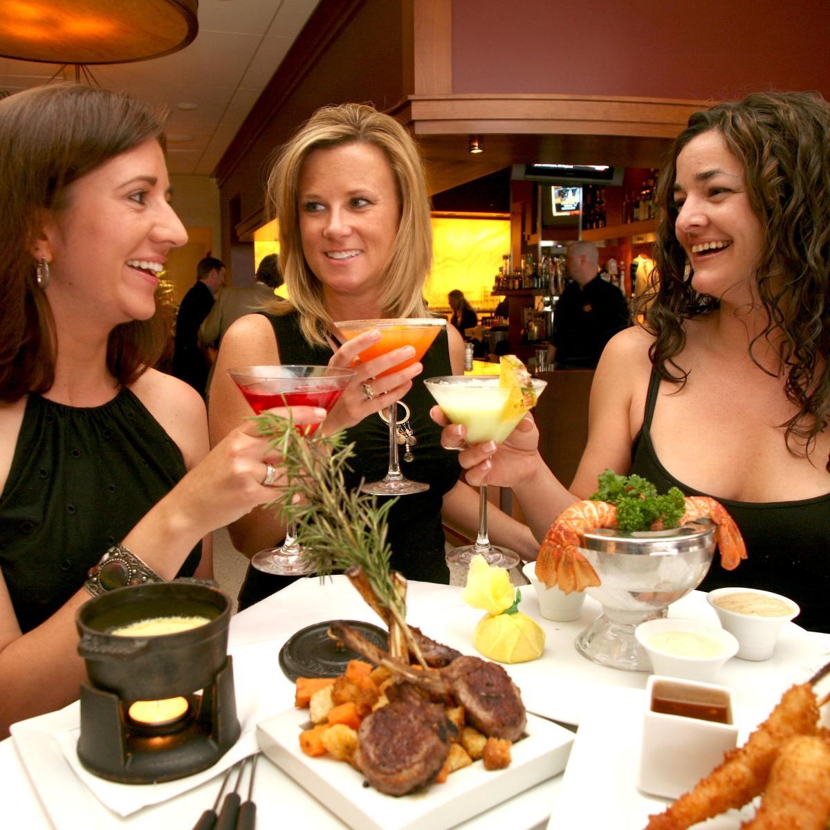 Copy of elways-women-drinks
