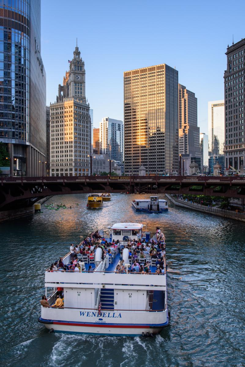 Wendella Cruises Chicago boat tour