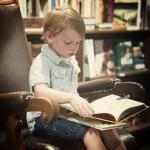 toddler-at-book-store