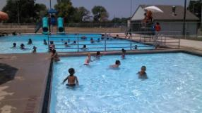 Memorial-Park-Pool-Splash-Pad-water-(4)