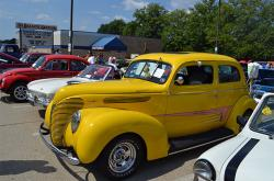 Car Cruise at Banana Split Celebration