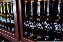 The Tasteful Olive Overland Park Holiday Shopping List