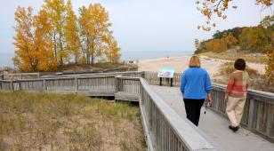 Great Lakes Seaway Trail boardwalkers; photo: George Fischer