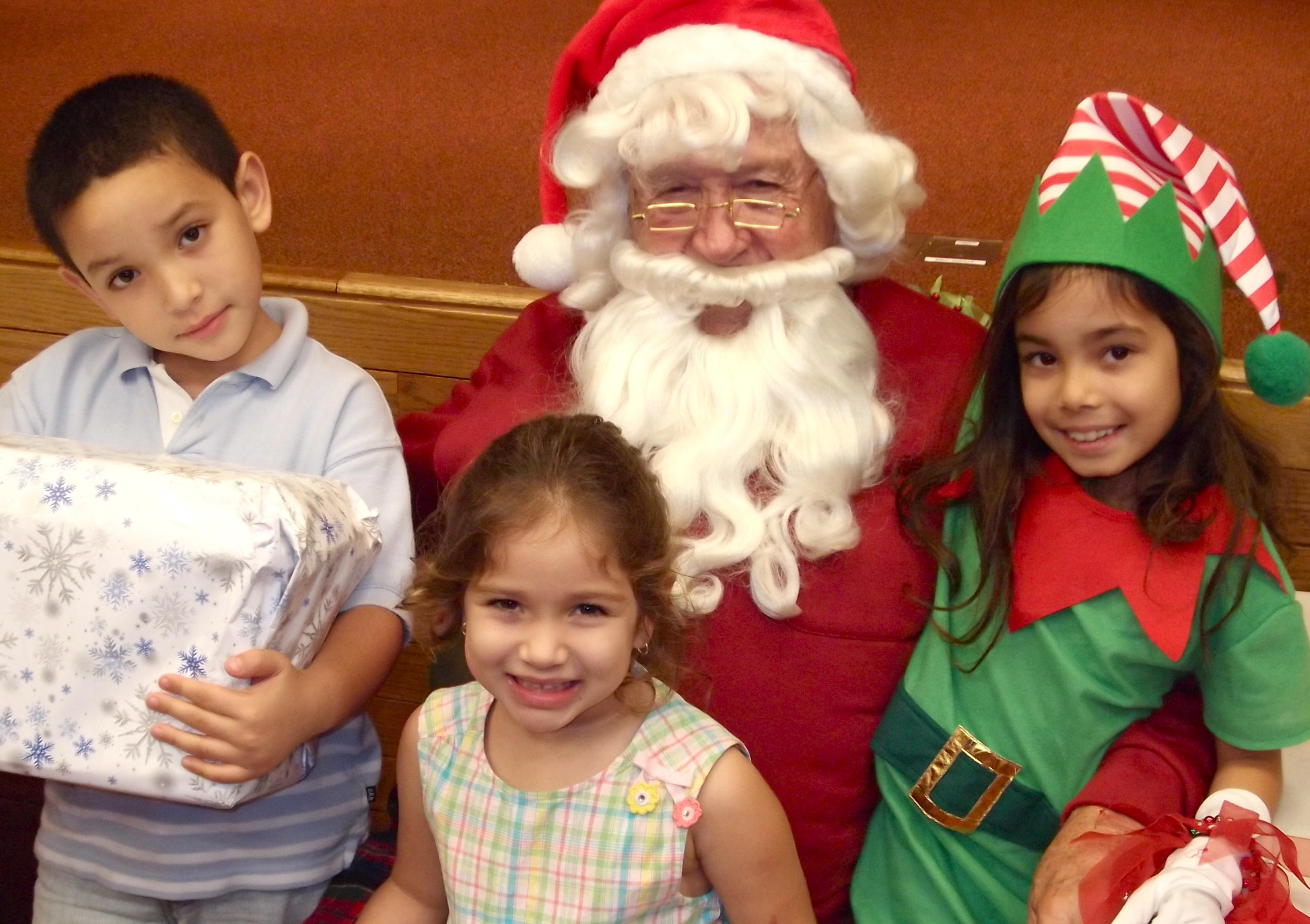 Santa Visits The Eau Claire Children's Museum