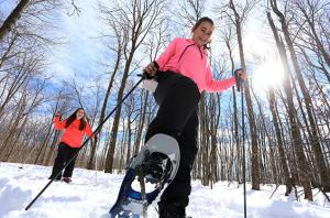 Women snowshoeing in Laurel Highlands