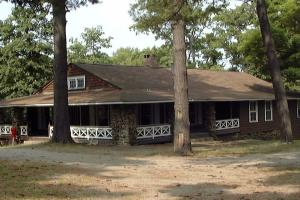 10% Off - Weekend Cabin or Campsite Rental