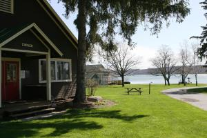 onanda-park-canandaigua-cabins.jpg