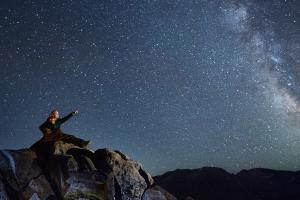 stargazing-rocky-mountain-national-park
