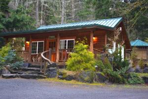 Copper Creek cabin at Mt. Rainier
