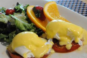 Robert's Benedict at Acorn Hill Bistro