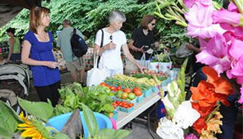 Saratoga Farmers Market - Photo Courtesy of www.saratoga.org