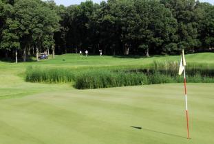 Oak_Island_Golf.jpg