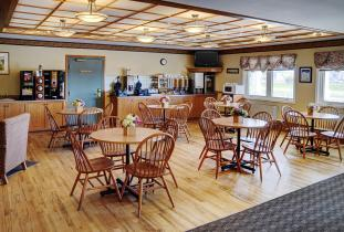 Lakeview Inn & Suites Brandon Breakfast Area