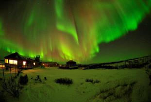 Northern Lights at Seal River Heritage Lodge - Ian Johnson