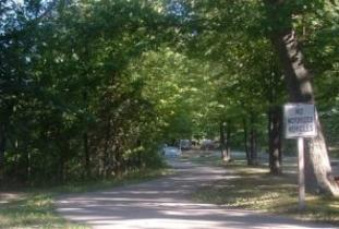 Parc_Cartier_Park_Campground.jpg