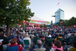 The_Forks_North_Portage_Partnership_-_The_Forks_Market_Plaza_&_Festival_Park.jpg
