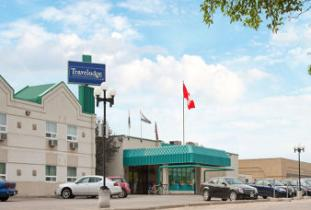 Travelodge_Winnipeg_East.jpg