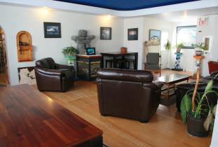 Tundra Inn Guest Lounge