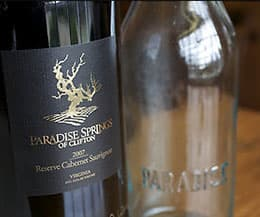 Paradise Springs Winery: Label