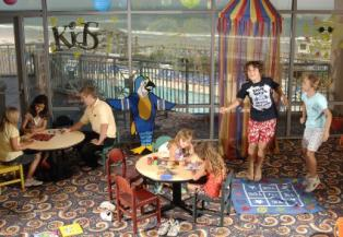 wrightsville-beach-holiday-inn-hotel-kids-activities-center
