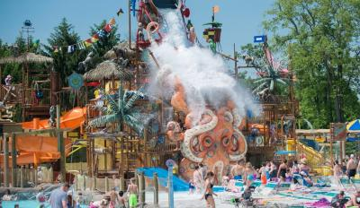 Zoombeezi Bay Water Park