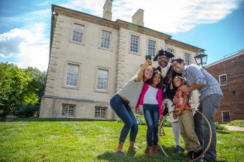 Carlyle House family