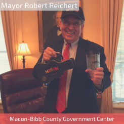 Mayor Robert Reichert